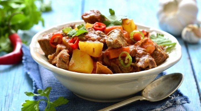 Braised beef and vegetables in a spicy tomato sauce