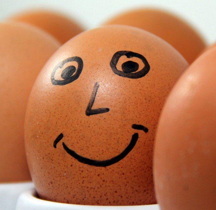 Humpty Dumpty - neither egg nor male?