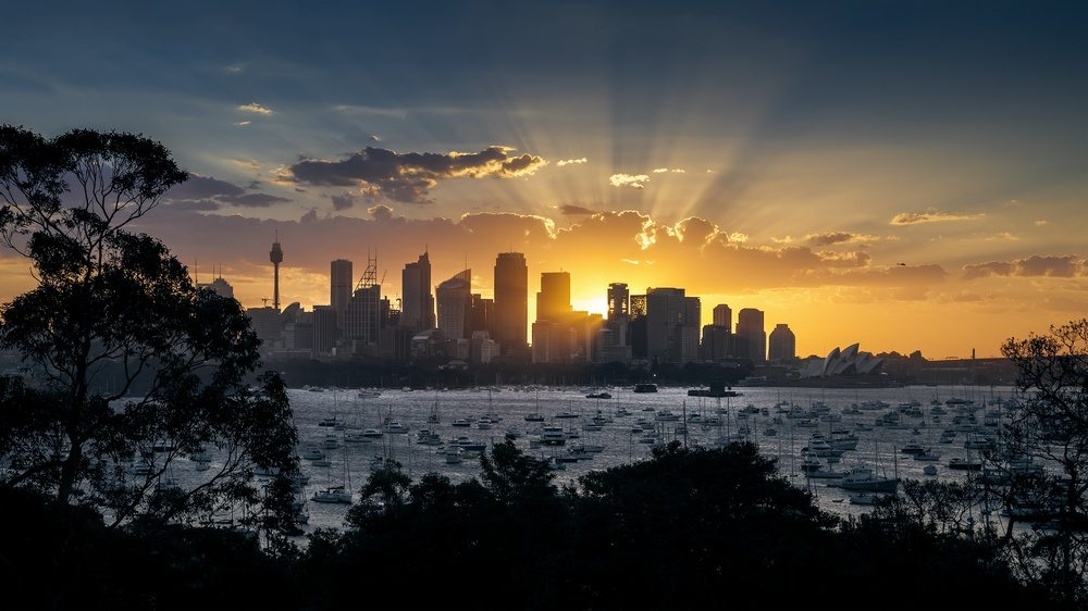 As a major financial centre with a near perfect climate, Sydney residences are in great demand