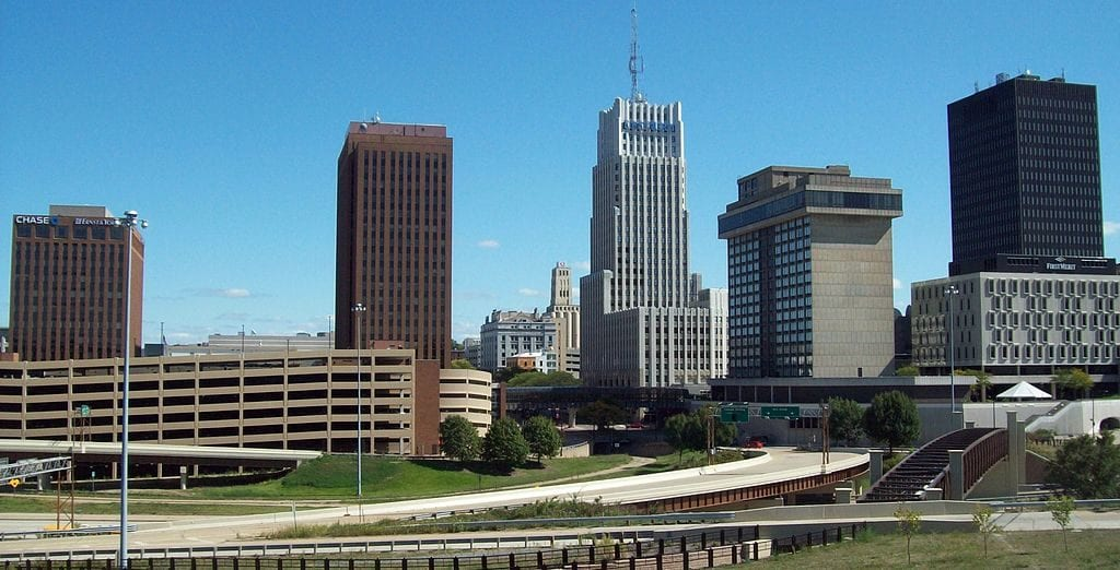 Akron thrives on its manufacturing, education, healthcare, and biomedical research industries. (Photo: Wikimedia)
