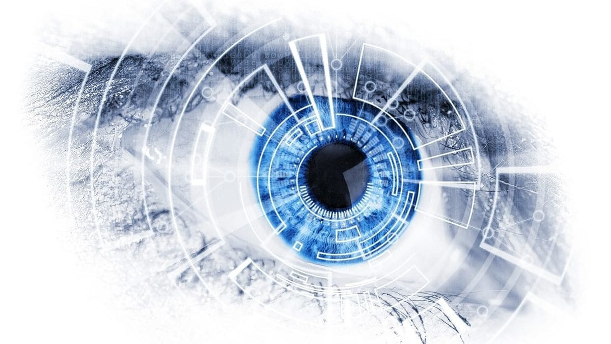 Robot Contact Lens Switches Focus When You Blink