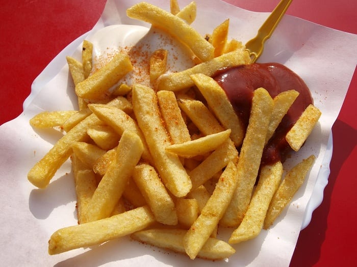 A poor diet of white bread, French-fries, and ham slices caused blindness in a teenager in the United Kingdom.