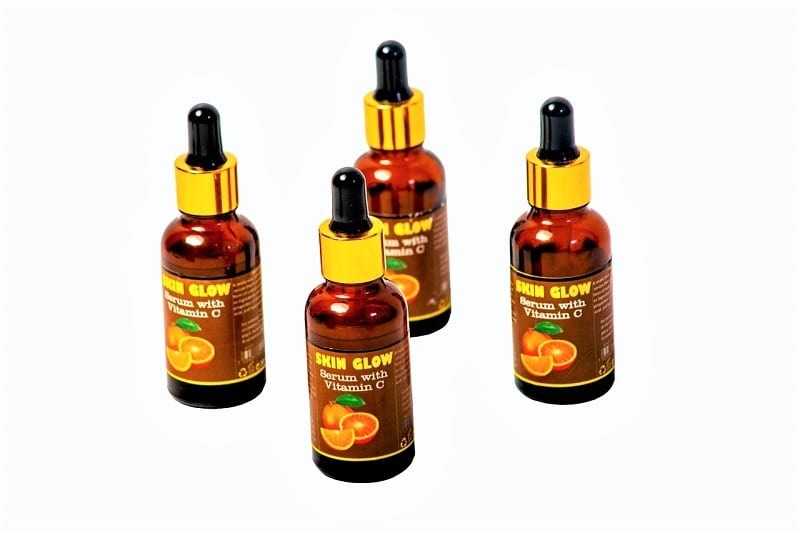 The application of a vitamin C serum on affected areas can help.