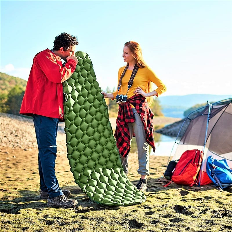 The Sleepingo Camping Sleeping Pad is equipped with a sturdy ripstop nylon fabric that's tear-resistant.