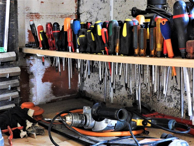 Whether you're a rookie handyman or a seasoned do-it-yourselfer, you'll need a variety of basic tools.