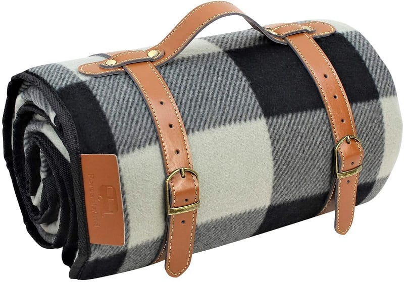 When it comes to that luxury feel, picnic blankets don't get any better than the PortableAnd picnic blanket.